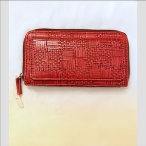 MUNDI RED WALLET.  NEW WITH TAGS